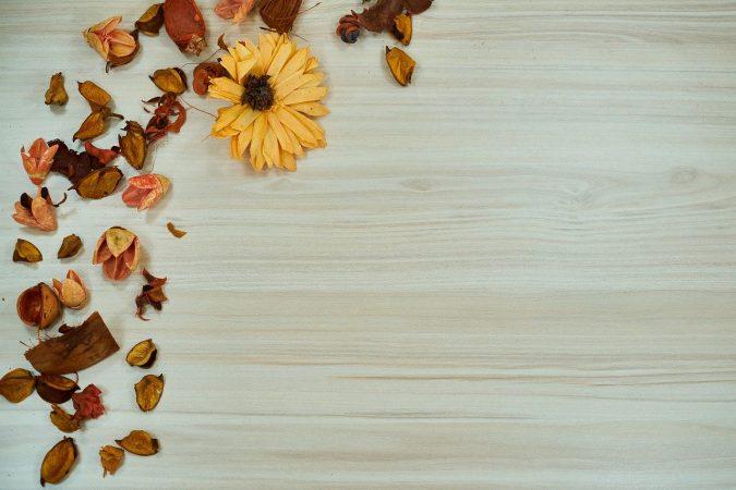 kerajinan dari serat tumbuhan dan penjelasannya