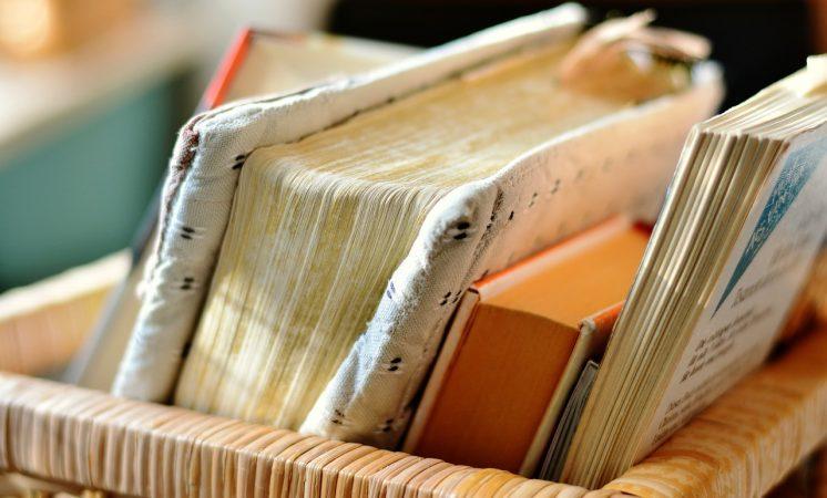 kerajinan dari koran bekas dan cara pembuatannya