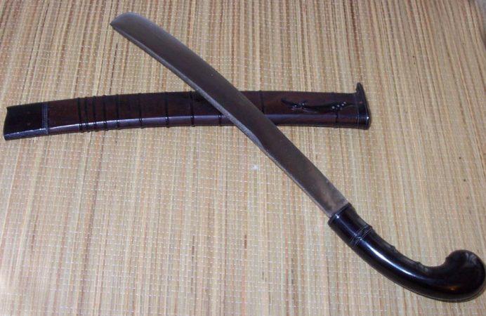 senjata adat nusa tenggara barat
