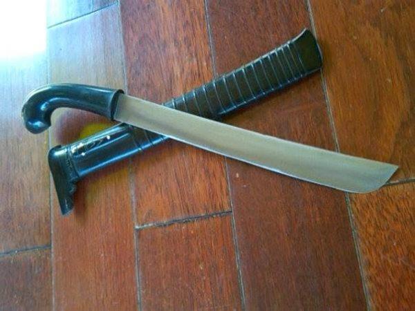 senjata tradisional provinsi nusa tenggara barat